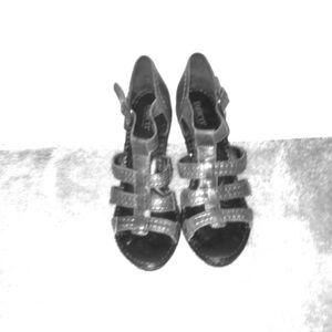 BORN heeled sandal